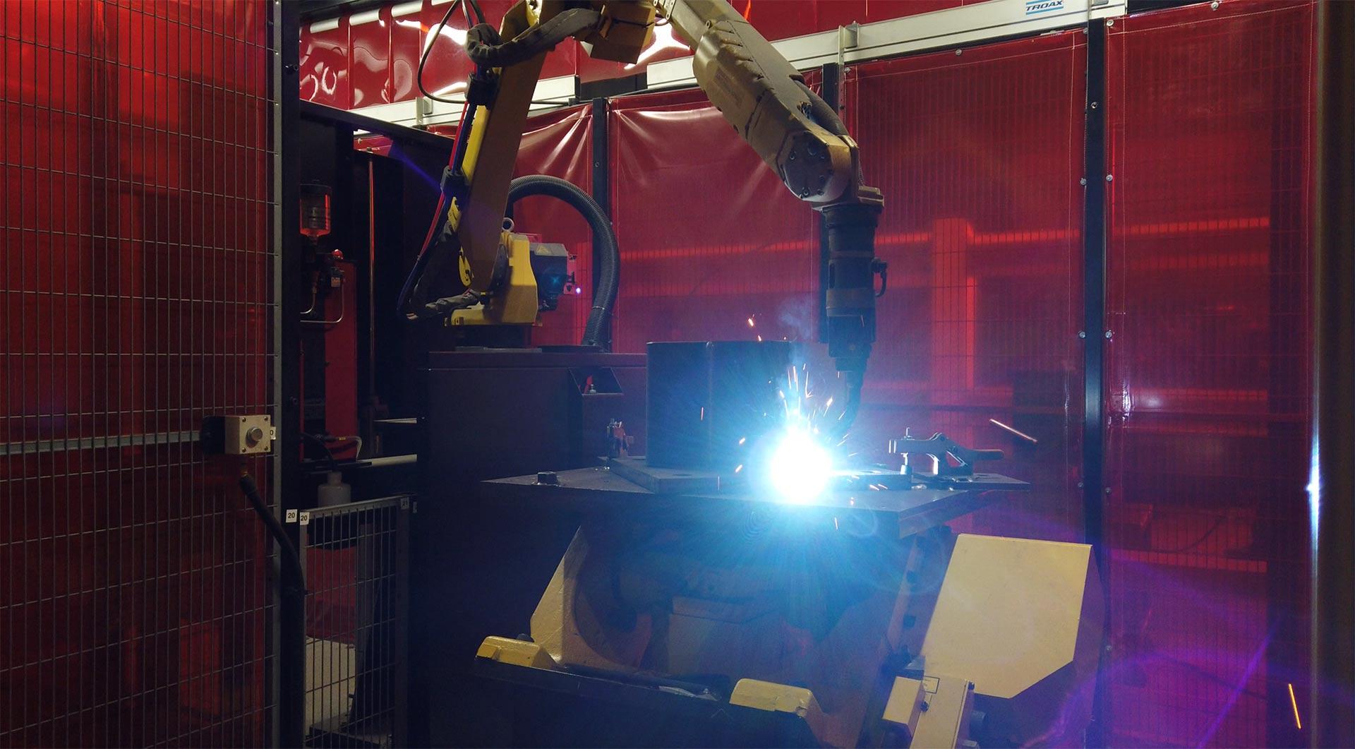 Robot welding station